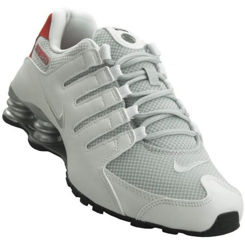 7141afa3034 Tênis Nike Shox NZ SE Masculino 833579-102 - Branco - Botas Online  Femininas