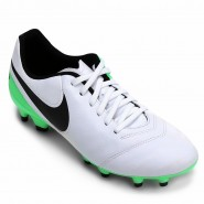 online store d1346 f8066 Bola - Campo Chuteira Tiempo Genio II Leather FG Nike