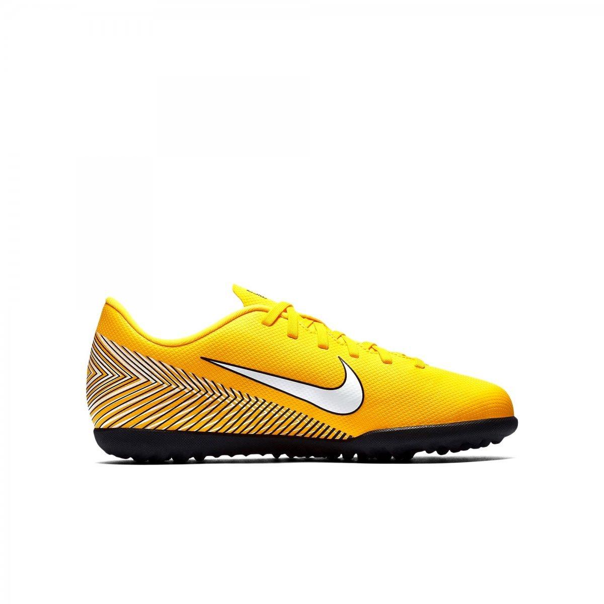 45957e3bc4c67 Amplie a imagem. Chuteira Society Infantil Nike Jr Vaporx 12 Club  Chuteira  Society Infantil ...