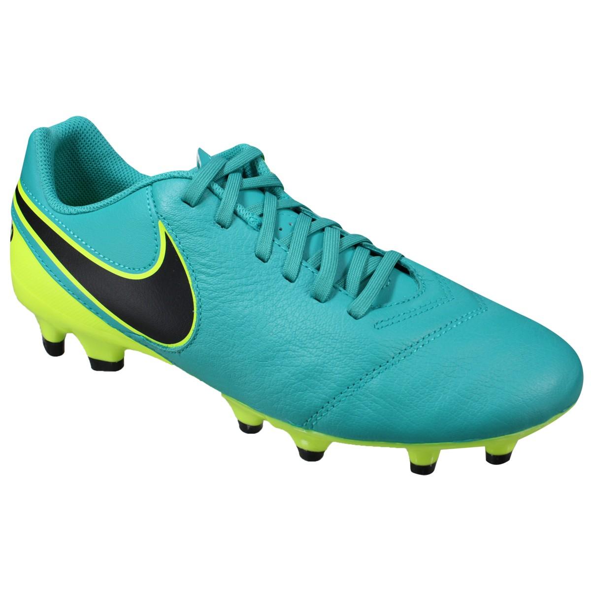 Chuteira Tiempo Genio II Leather FG Nike 819213-307 - Verde - Botas ... b3c6f0121c0d7