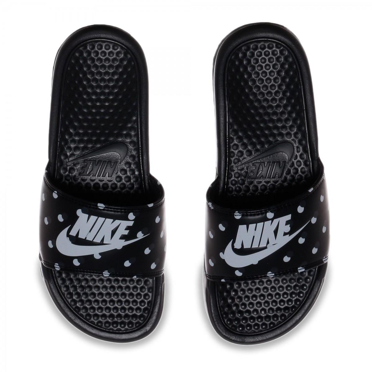 a7bae2f52a Sandália Nike WMNS Benassi JDI Print Feminina 618919-007 - Preto ...